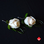 For the beautiful classic Montreal weddings, a classic white rose boutonnière.