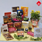 Gourmet baskets for Montreal gift basket delivery.
