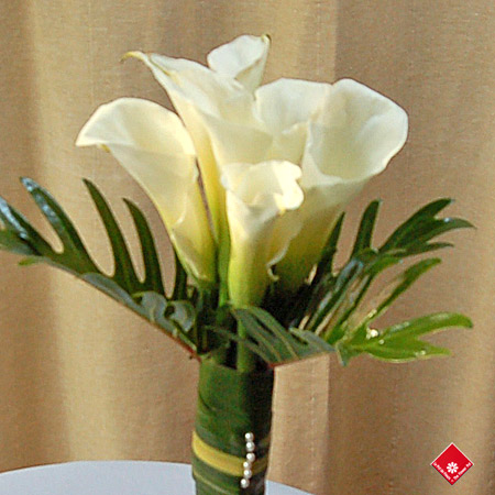 Calla lily bouquet from your Montreal florist.