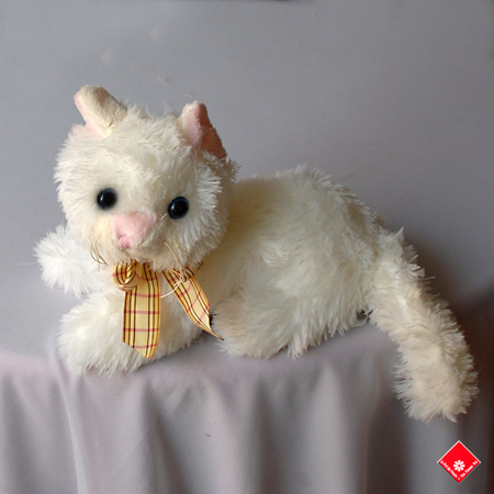 Tiny, the daintest stuffed cat in Montreal.