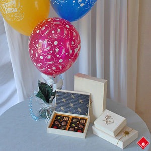 Balloon gifts with chocolates and truffles for Montreal delivery.