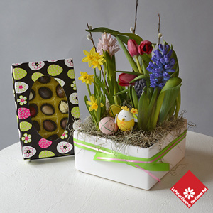 Unique Easter gift: 15 chocolates and a Spring garden.