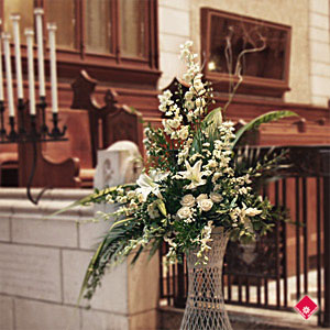 Floral arrangement for the church for a Montreal Wedding.