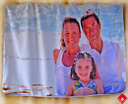 Your favourite photo captured on a custom fleece blanket.