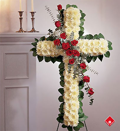 Red roses and chrysanthemums, traditionnal floral cross.
