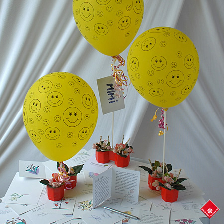 Happy Face Balloon & Floragramme greeting card to go with lawn flamingo display in Montreal.