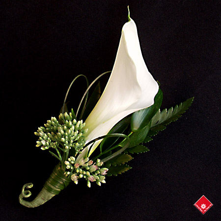 An exquisite calla lily boutonnière for a Montreal wedding from The Flower Pot.