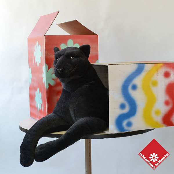 Panther in a hand-painted box - The Flower Pot
