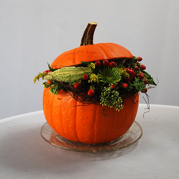 Flowers In A Pumpkin: Fall Flowers And Halloween Decor In Montreal · The Flower Pot