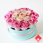 20 Valentine roses in blue box