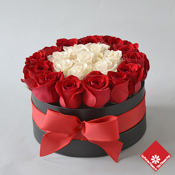 25 Roses in black gift box.