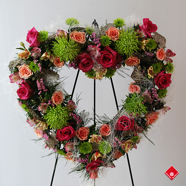 Floral heart for delivery in Montreal - The Flower Pot