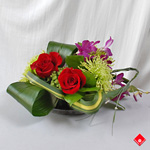Floral table centerpiece for Montreal delivery.