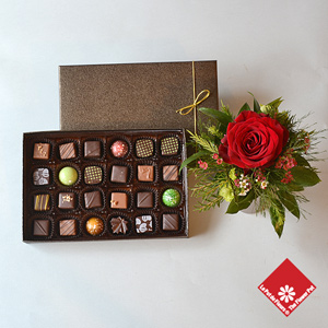 Box of 24 Montreal chocolates