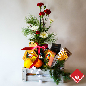 Christmas basket for the holidays in Montreal from Teh Flwoer Pot.